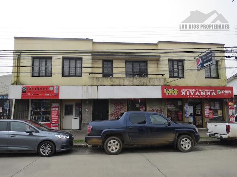 Uso comercial, Edificación, Calle Camilo Henriquez