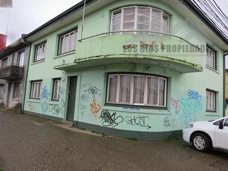 Venta Casa de esquina en Calle arauco