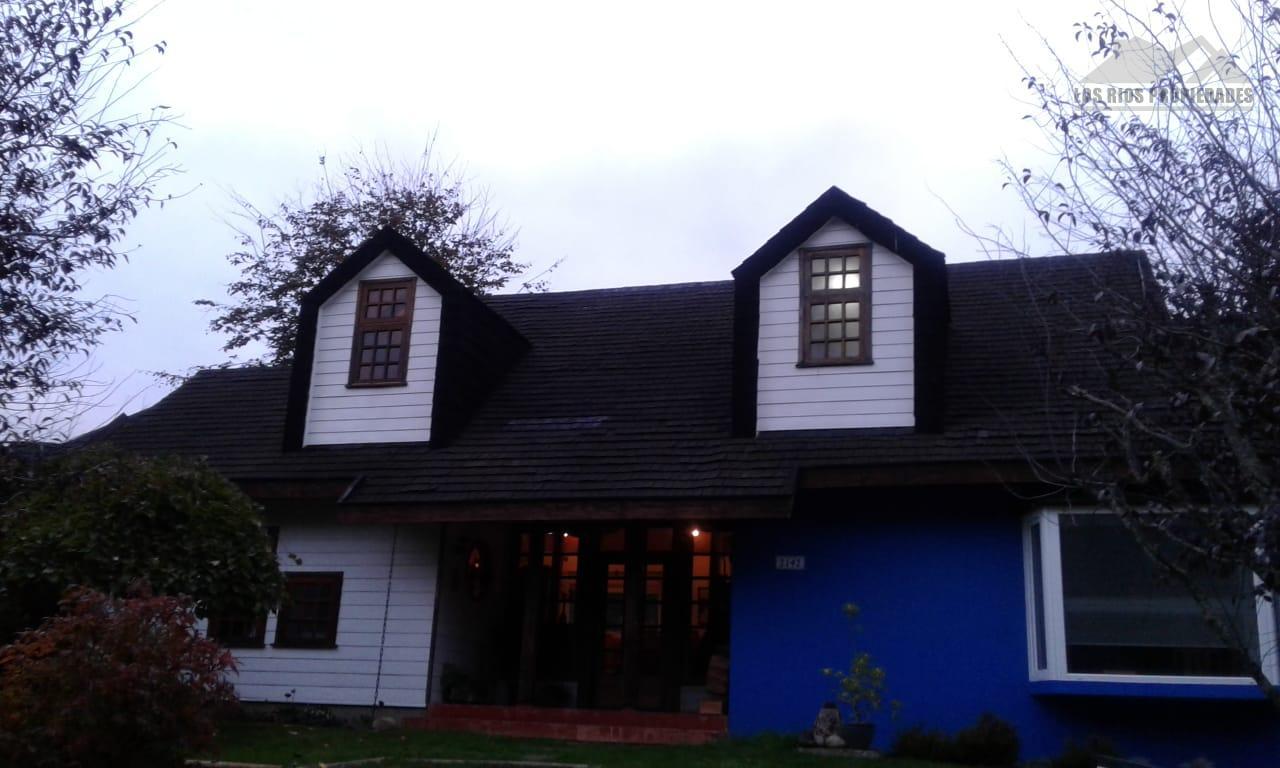 Preciosa casa Silos de Torobayo